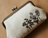 Kiss lock frame purse black embroidered flowers on natural linen garden embroidery floral black simple makeup bag frame pouch