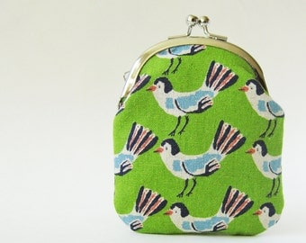 Kiss lock coin purse, change purse - blue birds on green green, kiss lock purse, kelly green, grass green, card holder, business card case