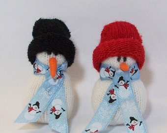 Clearance sale was 5.95: Pair of miniature snowmen table top decoration snowmen fabric stuffed in red and white