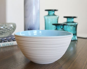 Groove Bowl in Sky Blue