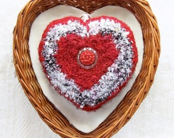 Je T'aime Heart - Silk Tapestry Plush - Ornament with French Love Message - Unique Gift for Her on Mother's Day / Valentine's Day / Birthday
