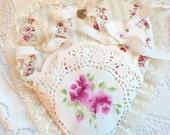 Cream HEART Pocket Shabby Chic Handpainted Pink Roses  ECS sct schteam SVFteam