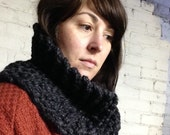 Chunky Knit Loop Cowl in Charcoal