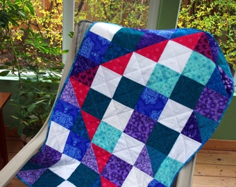 Triangle Design Quilted Wall Hanging, Doll Blanket, Modern Quilt, Art Quilt