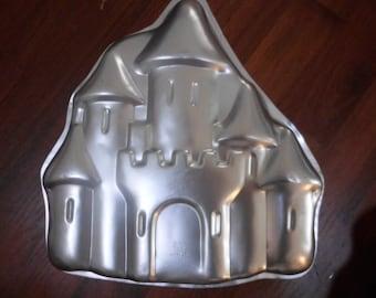 enchanted castle cake pan wilton 1998