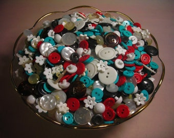A little less than Two pounds of Buttons  I call this lot  Flower