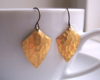 Golden Shield earrings - hammered golden brass - handmade