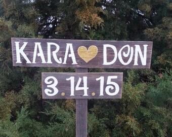 Rustic Wedding Sign. Gold Heart GLITTER. Outdoor Weddings Hand Painted Reclaimed Wood. Rustic Weddings. Vintage Weddings Road Signs Barn