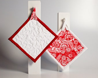 quilted pot holders - red Hawaii Christmas - ready to ship