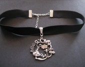 Alice in Wonderland velvet choker in Bronze or Silver