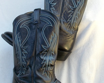 Tony Lama made in El Paso Texas USA sz 11B Black with Blue and White top stitch a Classic Boot Excellent Condition