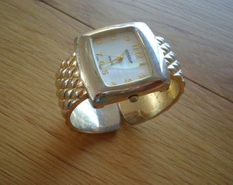 GOSSIP Quartz Watch Cuff Bracelet - Gold Textured Strap - Diamond Pattern - Easy Read Numbers - Wrist Watch - Mother Of Pearl Watch Face