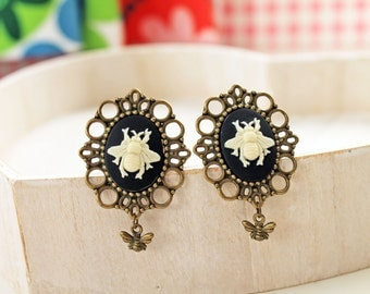 Bee clip earrings stunning statement white goth insect bug dangle