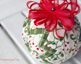 TUTORIAL - Make perfect quilted ball ornaments - Complete, step by step, no-sew instructions.