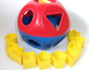 Vintage Tupperware Shape O Sorter Ball Toy Puzzle for children
