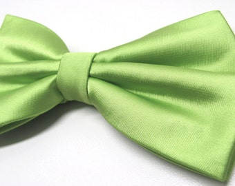 Mens Bowtie. Spring Green Bowtie With Matching Pocket Square Option