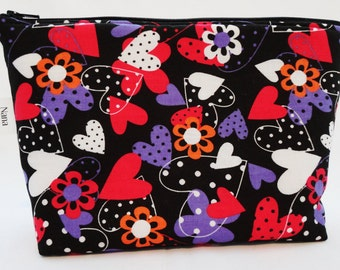 Zipper Pouch Cosmetic Bag - Hearts on Black