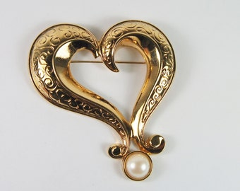 Avon Heart and Faux Pearl Brooch Vintage 80s Jewelry