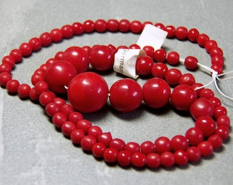Vintage German Red Graduated Round Glass Beads 4 to 12mm (92)