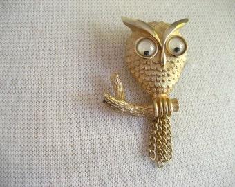Vintage AVON Owl Metal Pin Brooch with Googly Eyes