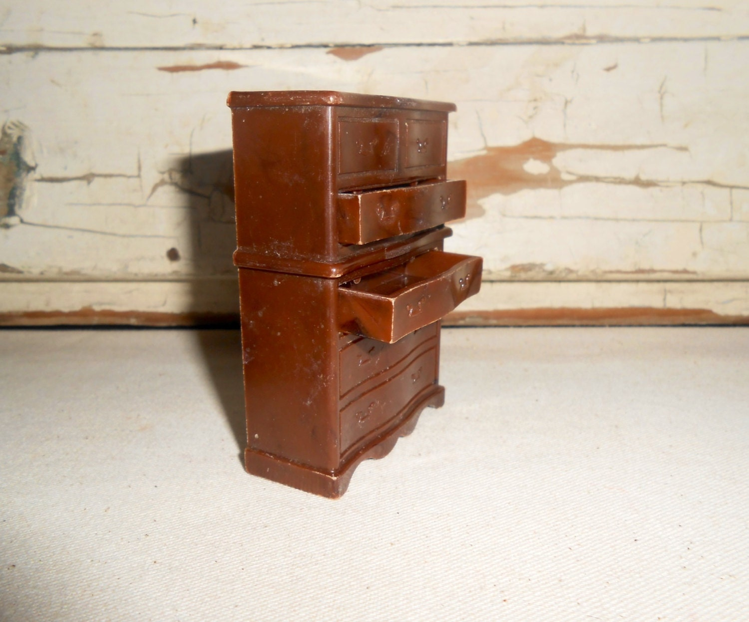 Vintage Renwal Chest On Chest Dollhouse Furniture Miniature B 85 Hard Plastic Haute Juice
