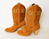 50% off SALE - 70s Dingo Boots / FLORAL Cowgirl Boots /  Country Wanderer