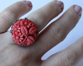 Art Deco, Noveau, Liberty 1920 Czech Molded coral glass Sterling Silver Ring. Daisy Floral Leaf Design. Size 5.