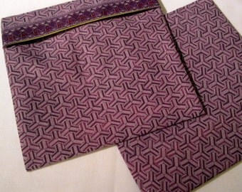 Lined Sandwich Bag--Purple Hexagons (border)