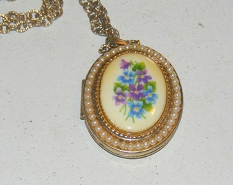 Odd Vintage Locket Necklace Forget Me Not Flowers Mourning Jewelry