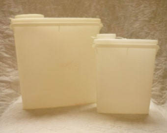 2 Tupperware Cereal Storage Containers, Vintage Tupperware, Cereal Saver Cereal Server 13 cups,
