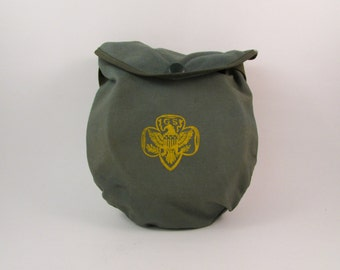 Vintage Girl Scouts Camping Mess Kit with Metal Dish Set and Canvas Pouch