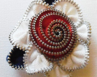 Red White and Blue  Patriotic Floral Brooch / Zipper Pin by ZipPinning - 2906