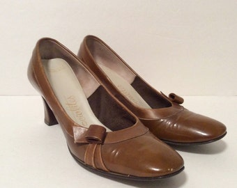 vintage 1960s shoes mod CARAMEL leather by SOCIALITES 5.5