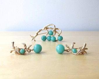 jade green and gold demi parure earring and brooch set golden grapevine peking glass beads dangle earrings