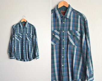 SALE // Size L // PLAID FLANNEL // Teal & Grey - Long Sleeve Button-Up Shirt - Lightweight Acrylic - Vintage '90s.