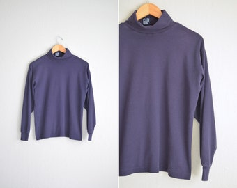 NAVY blue long sleeve SIMPLE TURTLENECK / vintage '90s everyday basic top. size s m (loose fit).