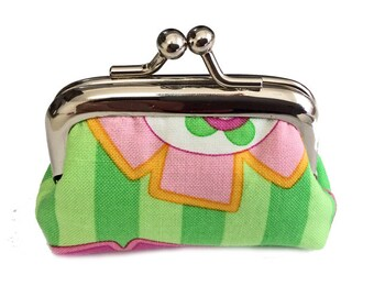 Green Stripe Retro Flowers - Tiny Kisslock Metal Frame Coin Purse