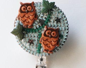 Twin Baby Owls ID Badge Reel - RN ID Badge Holder - Zipperedheart