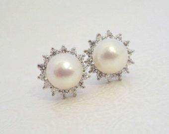 Pearl stud earrings, Bridal earrings, Wedding earrings, Crystal Stud earrings, Freshwater pearl earrings, Bridal jewelry, Simple earrings