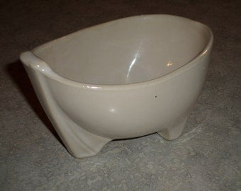 unusual McCoy Pottery footed scoop planter Bowl vase sandy ivory glaze