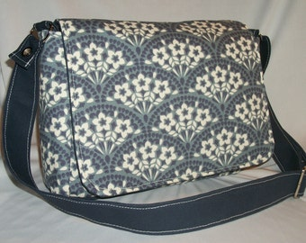 Purse with Flap Shoulder Bag Crossbody Medium-Sized Bag Navy Blue and White Floral Print Many Pockets Adjustable Strap
