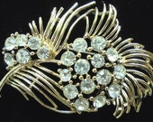 Vintage Lisner Flower Pin w/ Sparkling Clear Rhinestones Gold Tone