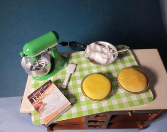 Baker's Prep Board with Green Mixer