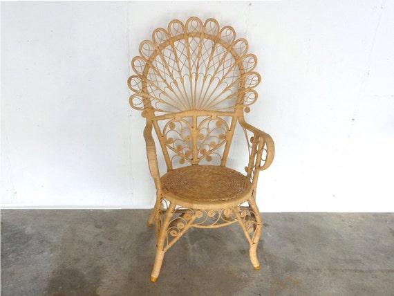 boh me rotin et l 39 osier chaise peacock. Black Bedroom Furniture Sets. Home Design Ideas