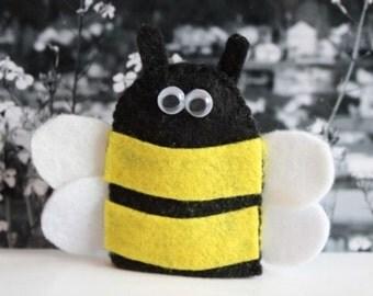 10 Bee Finger puppet