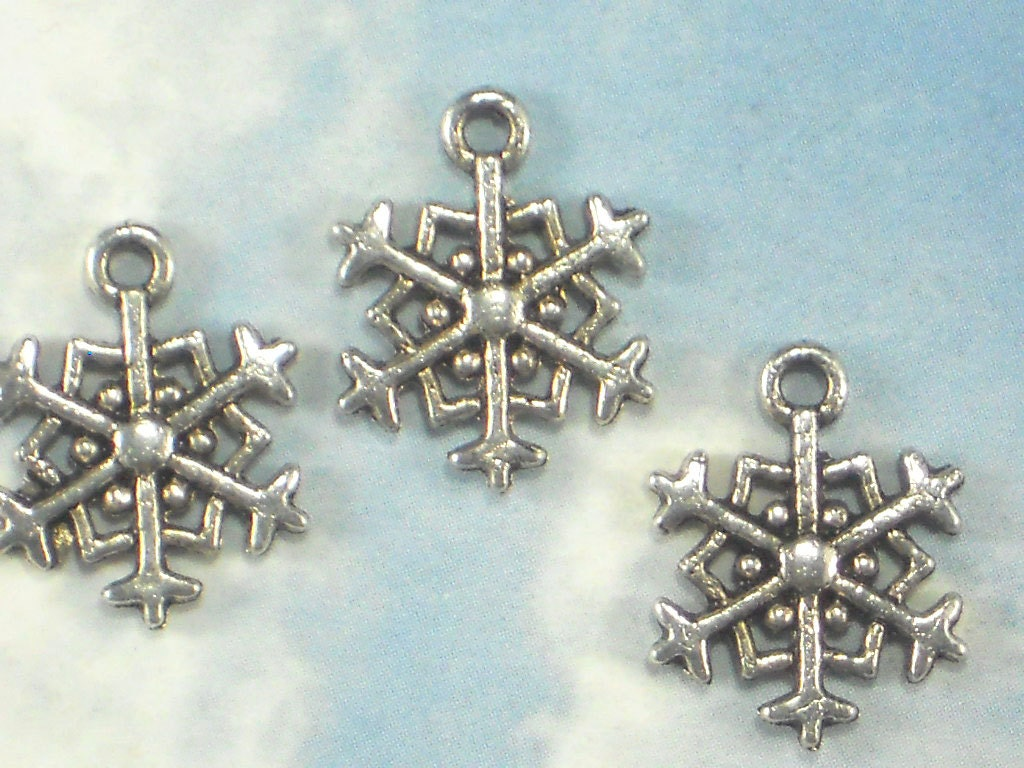 bulk 50 snowflake charms antique tibetan silver tone 18mm 2