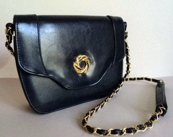 Vintage 1980's Purse // Navy Chain Strap Purse // Gold Chain Strap // Small Crossbody Shoulder Bag