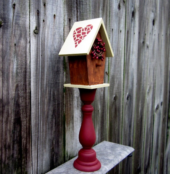 birdhouse decorative primitive indoor birdhouse pedestal. Black Bedroom Furniture Sets. Home Design Ideas
