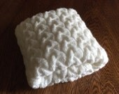 HOLIDAY SALE, Chunky hand knit baby blanket, White 27x36