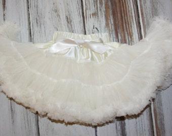 Ivory Pettiskirt- Baby Skirt- Toddler Skirt- Girls Ivory Skirt-Lace Petti- 1st Birthday Outfit- Tutu skirt-Extra Fluffy Skirt